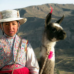 Fille avec costume typique, Pérou. Author and Copyright Nello and Nadia Lubrina