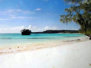Plage de Luengoni, Lifou, Îles Loyauté, Nouvelle-Calédonie. Author and Copyright Marco Ramerini