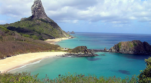 Morro do Pico, Fernando de Noronha, Brésil. Author and Copyright Marco Ramerini