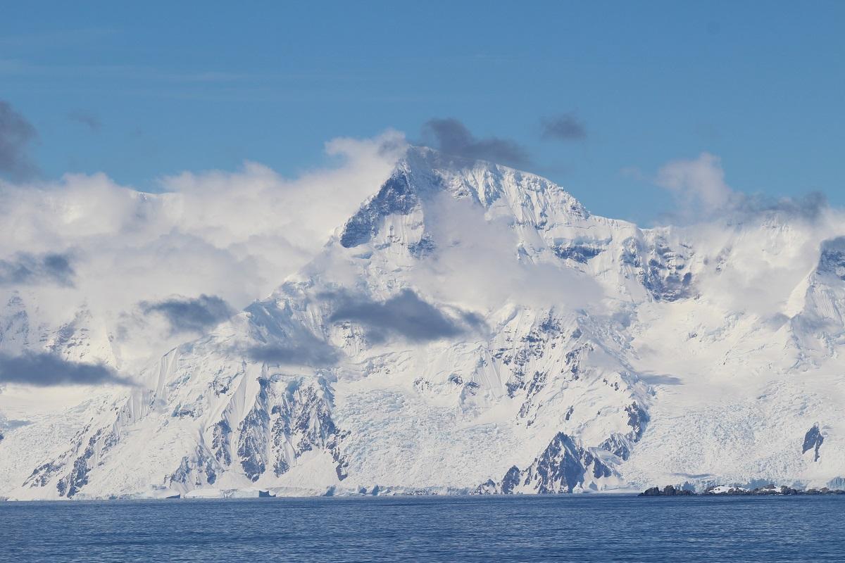 L'île Brabant, archipel Palmer, Antarctique. Auteur et Copyright Marco Ramerini