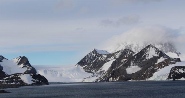 Baie de l'Espoir (Hope Bay / Bahía Esperanza),Détroit Antarctic (Antarctic Sound), Antarctique. Auteur et Copyright Marco Ramerini