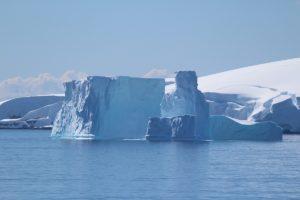 Iceberg, archipel Palmer, Antarctique. Auteur et Copyright Marco Ramerini