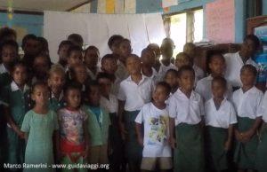Enfants, Ratu Namasi Memorial School, Nabukeru, Yasawa, Fidji. Auteur et copyright Marco Ramerini