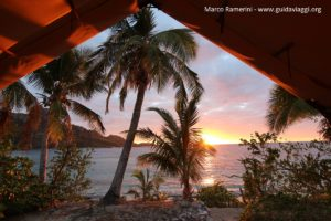 L'aube, Kuata, îles Yasawa, Fidji. Auteur et Copyright Marco Ramerini