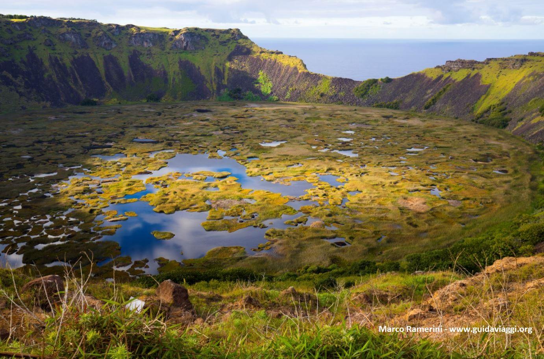 Rano Kau, Île de Pâques, Chili. Auteur et Copyright Marco Ramerini