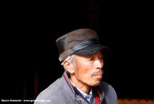 Homme, Baisha, Yunnan, Chine. Auteur et Copyright Marco Ramerini
