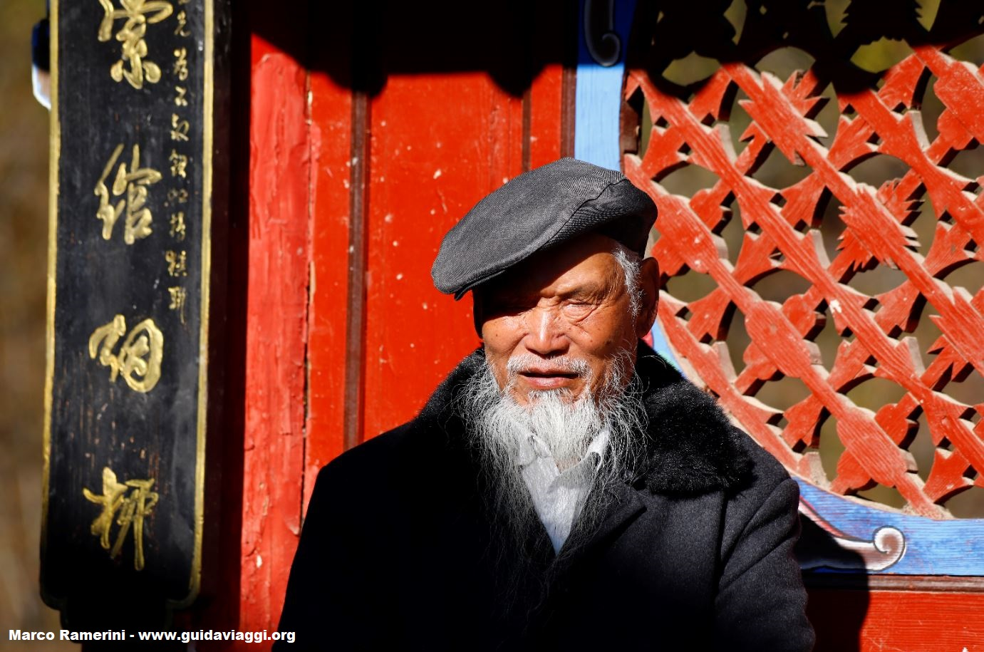 Homme, Shigu, Yunnan, Chine. Auteur et Copyright Marco Ramerini