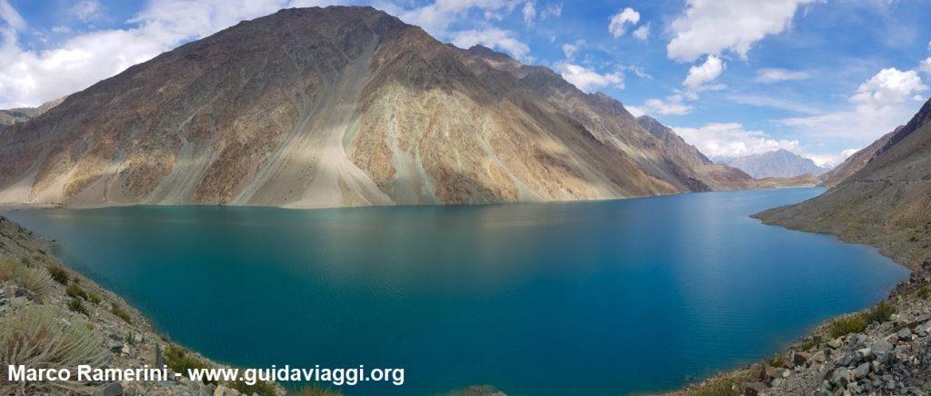 Le Lac Satpara près de Skardu, Baltistan, Pakistan. Auteur et Copyright Marco Ramerini