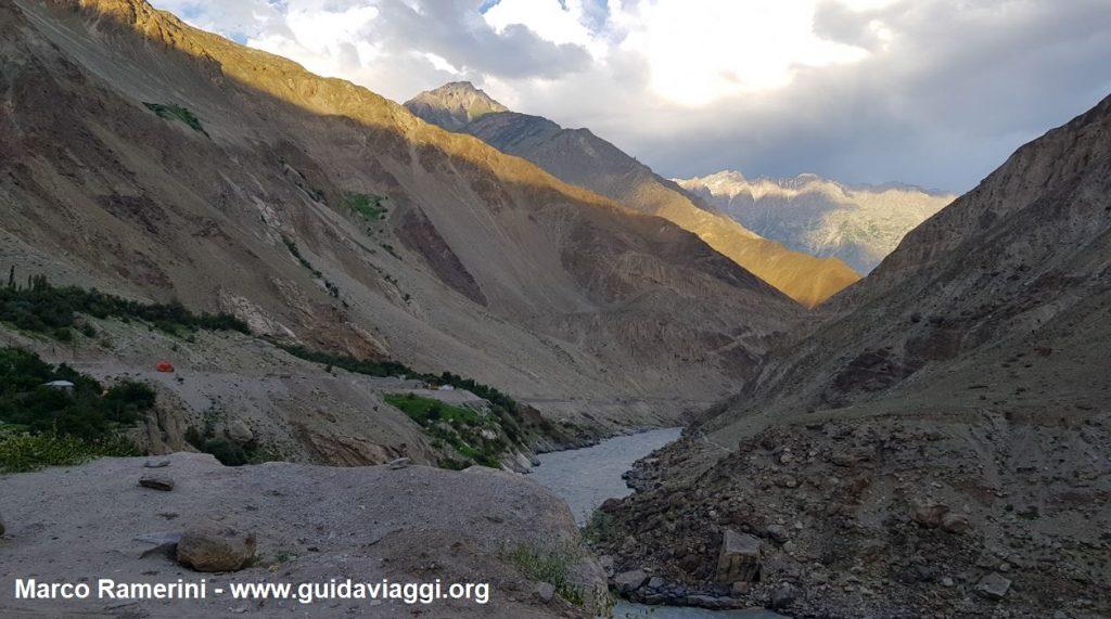 Les gorges de l'Indus, Baltistan, Pakistan. Auteur et Copyright Marco Ramerini