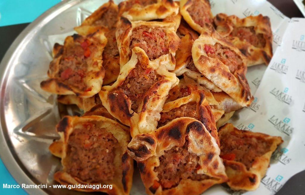 Sfiha, une appetizer à base de viande typique de la vallée de la Beqa au Liban. Auteur et Copyright Marco Ramerini